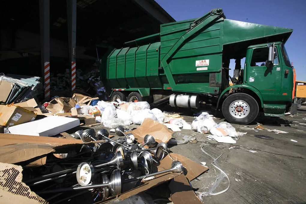 Trash Hauling-Asheville Dumpster Rental & Junk Removal Services-We Offer Residential and Commercial Dumpster Removal Services, Portable Toilet Services, Dumpster Rentals, Bulk Trash, Demolition Removal, Junk Hauling, Rubbish Removal, Waste Containers, Debris Removal, 20 & 30 Yard Container Rentals, and much more!